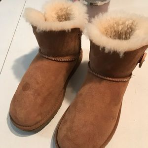 Ugg Australia shirt boots tan bailey button